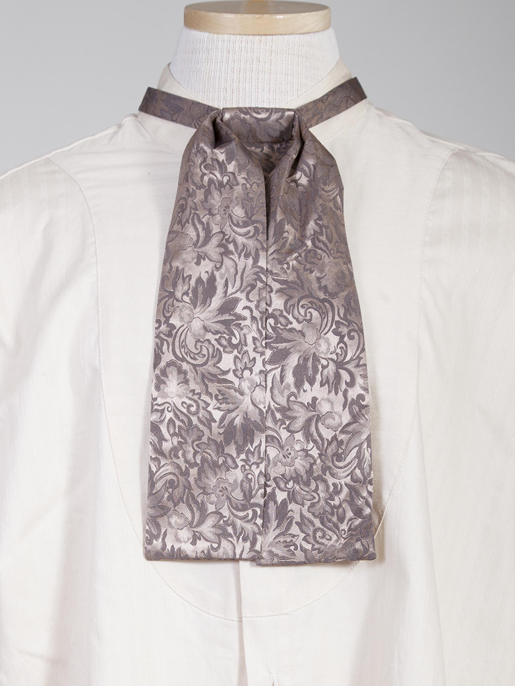 Beautiful silk jacquard and an adjustable neck band